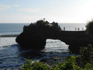 tanah_lot_tempple_batubolong