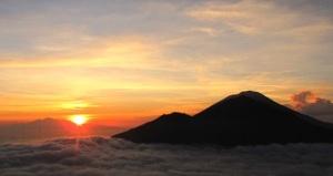 batur_trekking_volcano_bali