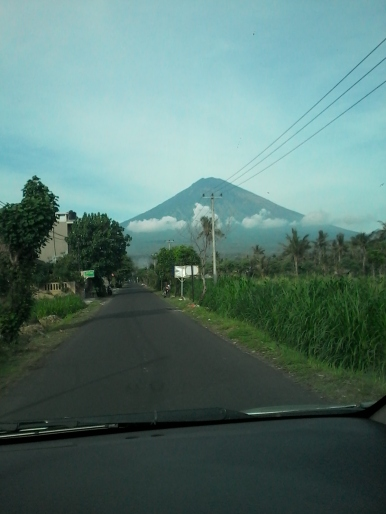 Amed_Agung_Volcano_View
