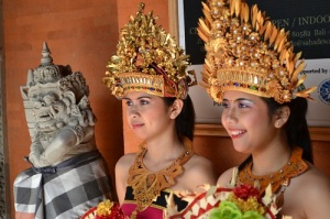 Balinese_traditional_dance