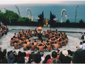 uluwatu_temple_sunset