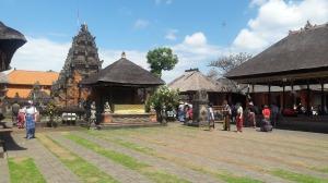 batuan_temple_2017