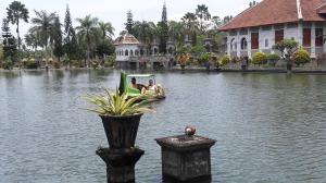 Taman_ujung_water_palace