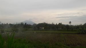 Agung_volcano_ash