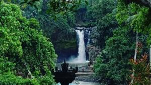 Tegenungan_waterfall_Bali